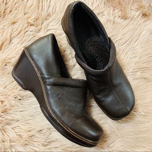 B. O. C. | Brown Leather Comfort Clog - Size 10